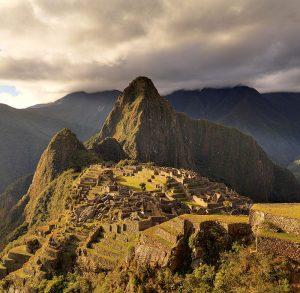 Machu_Picchu_-_Juin_2009_-_edit